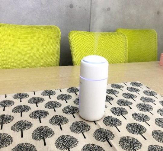 Cutalystを塗布したテーブル